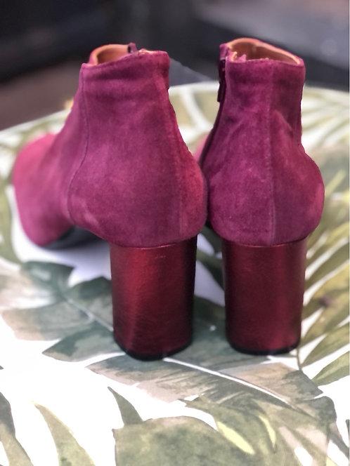 Stivaletto camoscio color Barolo