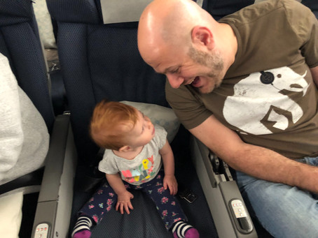 20 Ways to Entertain a Toddler on a Flight