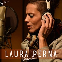 Esordio Discografico per l'ex cantante di Domenica in: Laura Perna