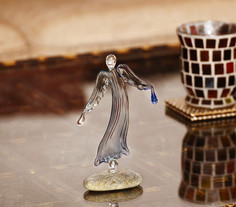 Water angel with drops