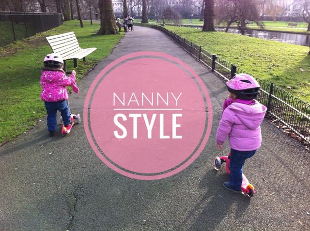 A Nanny is not a babysitter-Una nanny no es una babysitter.