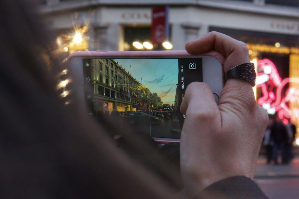 Foto haciendo foto con el móvil