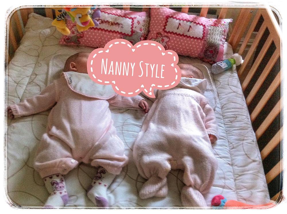 twins sleeping mellizas durmiendo