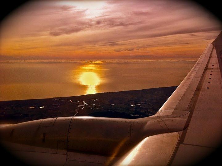 avión plane mar sea
