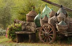 italy_tuscany_tour_cart_with_wine_bottle