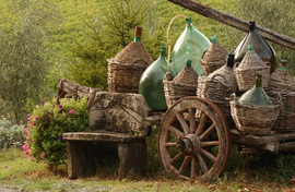 italy_tuscany_tour_cart_with_wine_bottle
