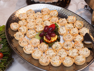 Ways to Accommodate Dietary Restrictions into Your Wedding Menu