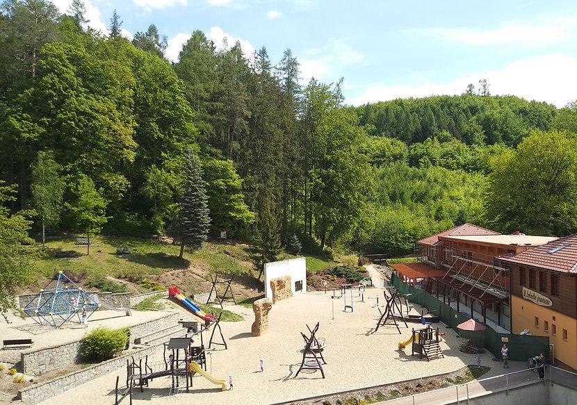 dětské hřiště, restaurace Solný pramen