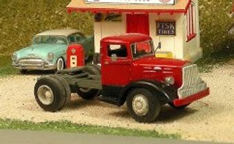 1937-48 Brockway 260 Single Axle Tractor (HO) - V-230