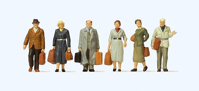 Walking Passengers-10582