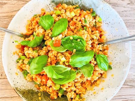 Roter Linsensalat mit Gemüse
