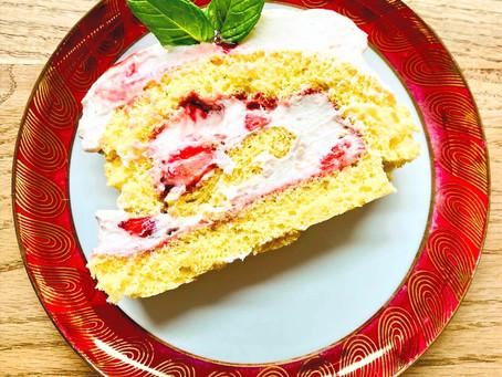 Erdbeerbiskuitrolle