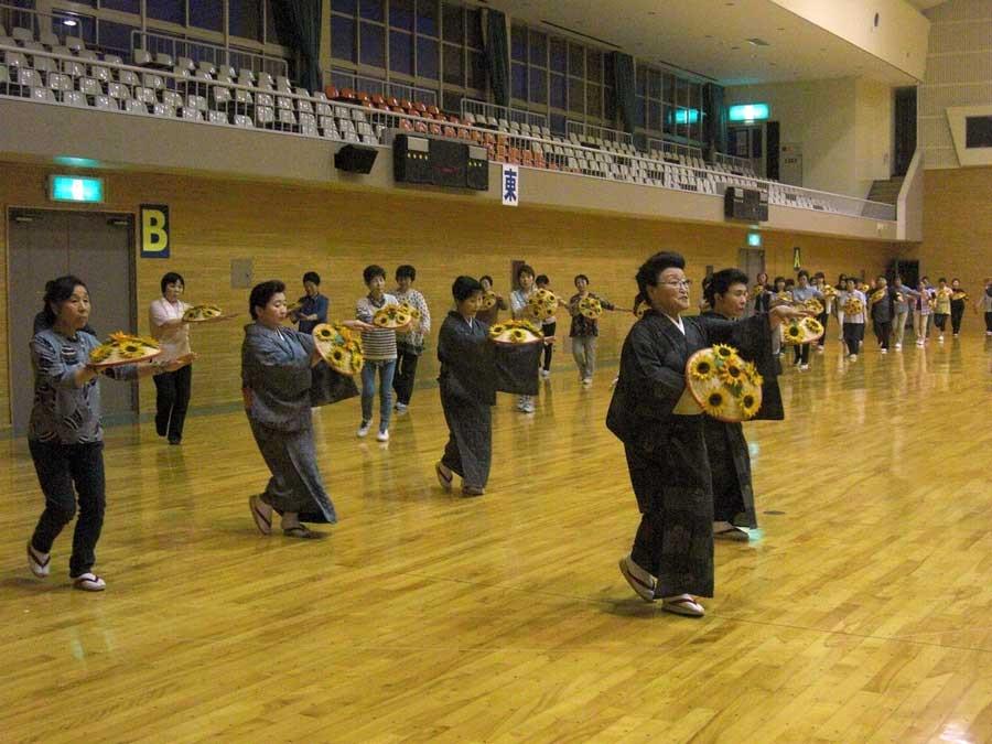 ふるさと踊り練習