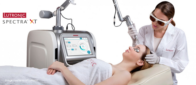 A no-downtime, painless procedure that immediately leaves your skin glowing, radiant and plumped up, with pores refined.