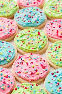 frosted-sugar-cookies4.jpg