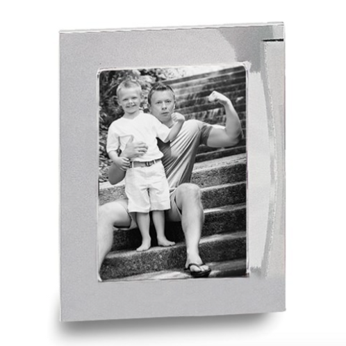Silver-Plated Classic 5x7 Photo Frame