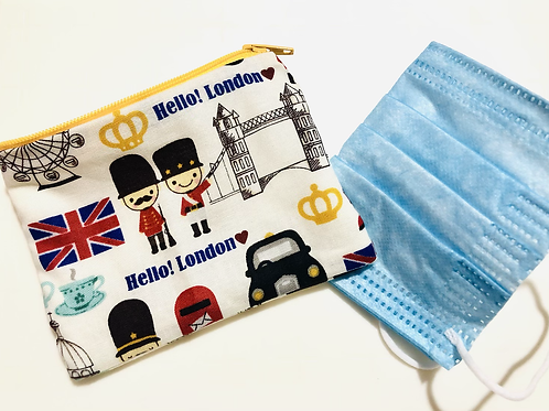 Hello! London Mask Holder