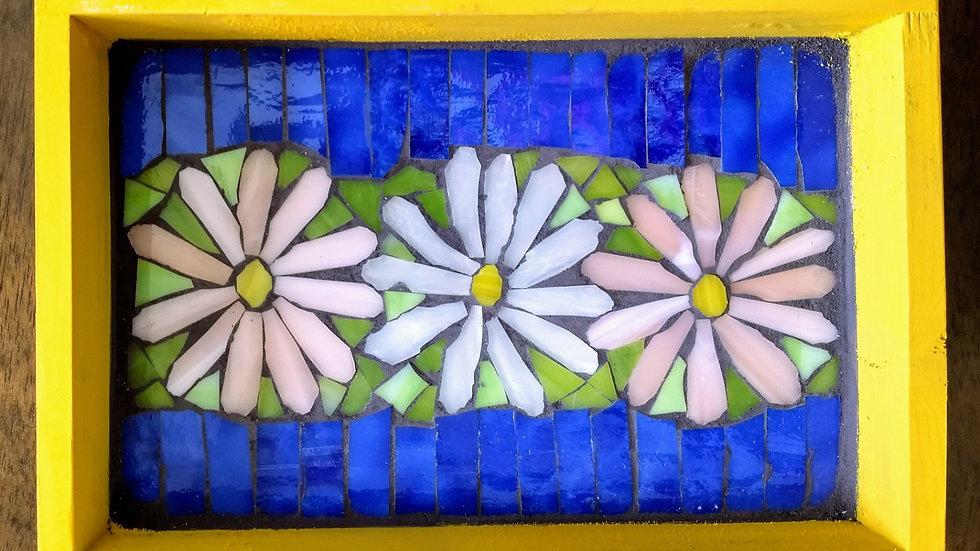 Daisy wooden tray