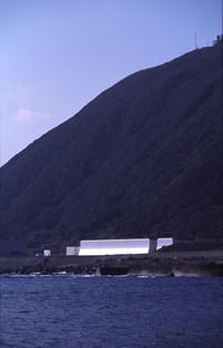 藤塚・海から外観.jpg