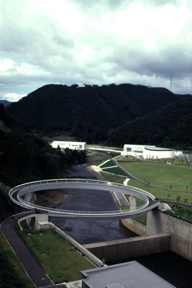 日吉15-円形橋の遠望2.jpg