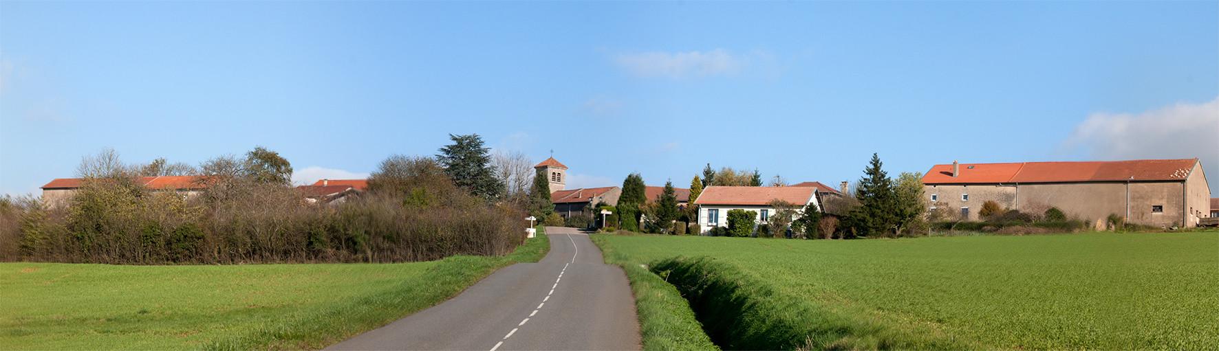 Entrée du village de Sainte Geneviève
