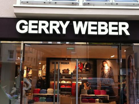 Leuchtschild für das Logo von Gerry Weber