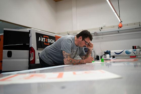Andreas Haslbeck als Geschäftsführer von Art 4 Sign Werbetechnik