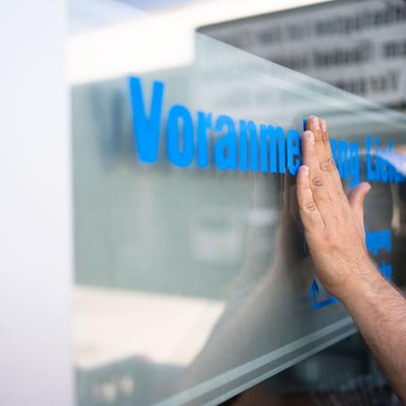 Werbeflächen mit Schaufensterbeschriftung richtig nutzen und schützen
