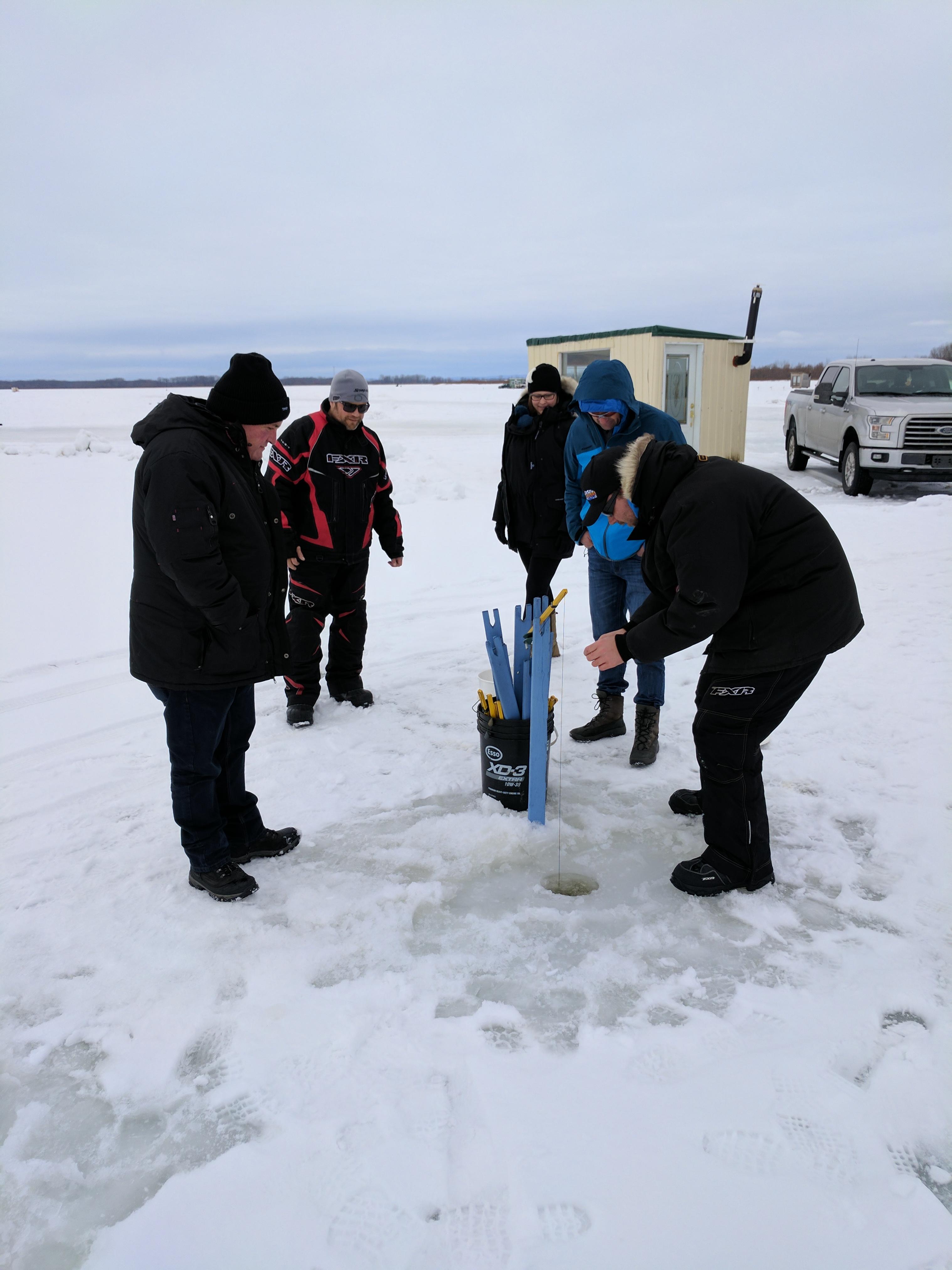 Pêche sur la glace