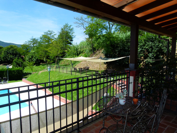 Balcone vista piscina