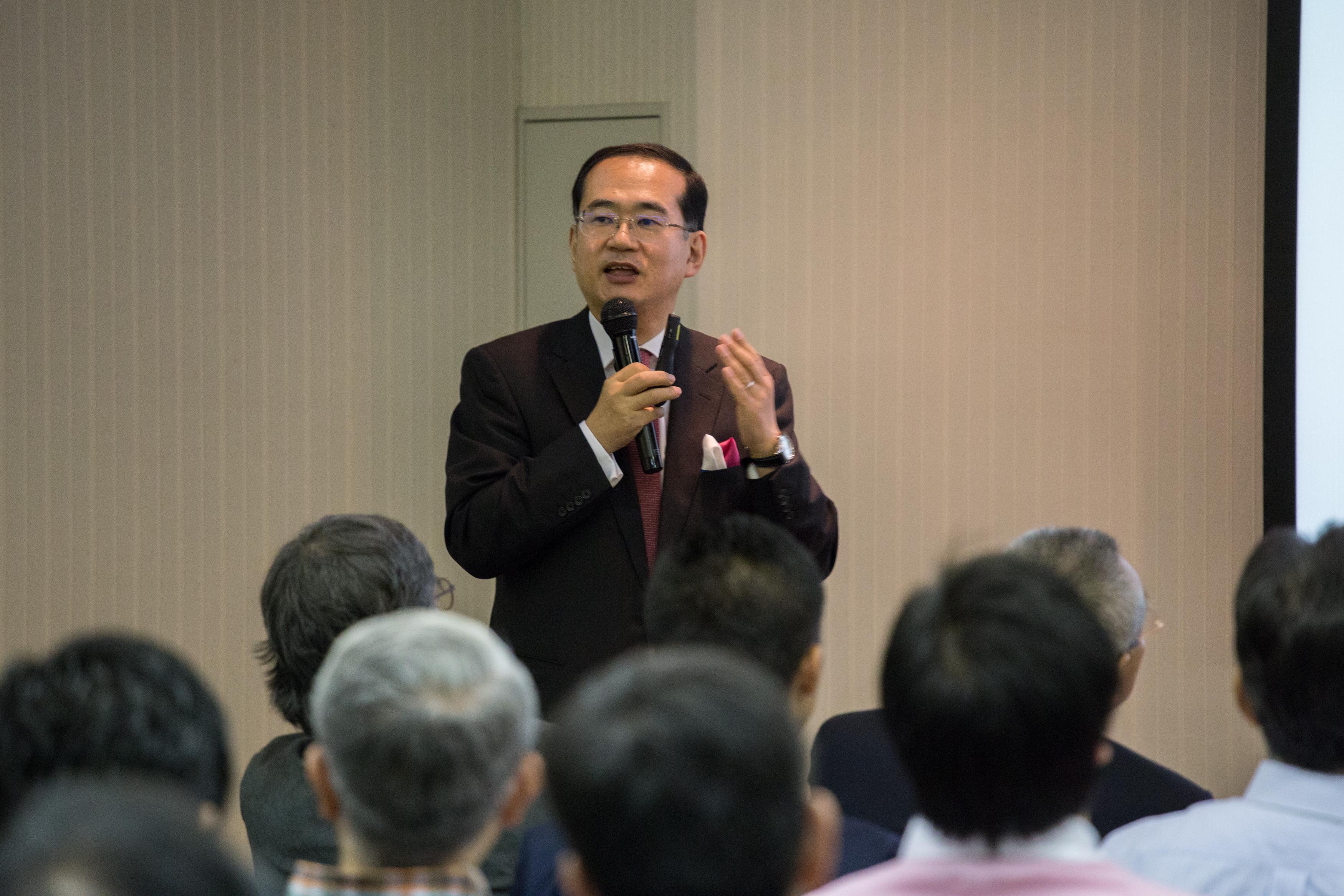 所長:長谷川博和教授