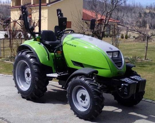 TPS Tuber 50 48 PS Allradtraktor Überrollbügel Rundumleuchte