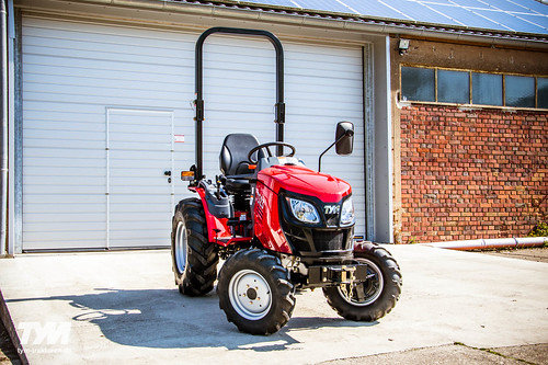 Tym-Traktor T255 Gear mit Industriebereifung