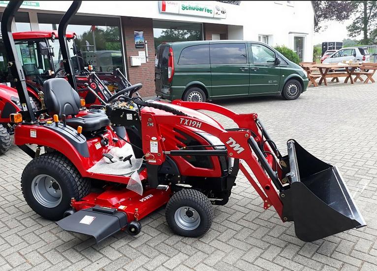TYM T195 HST Allradtraktor Frontlader & Schaufel Mähwerk