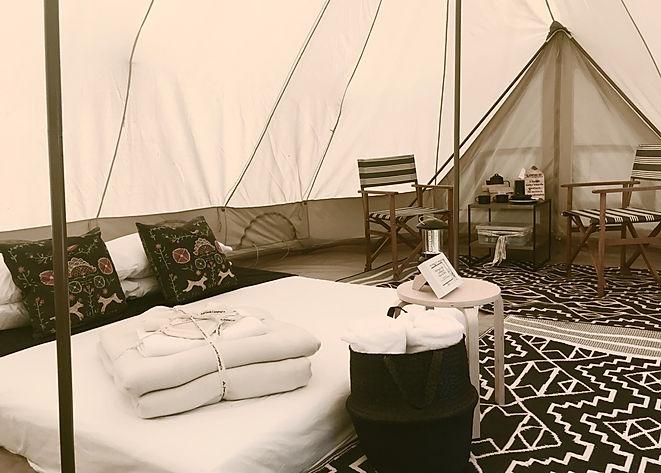 Luxury utdoor tent tipi experiences
