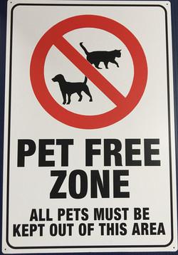 #CL118 12x18 Alum.-Pet Free Zone