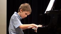 Pierrefonds best music school MUSAMUSE, canadien music school. Nelly Gvasalia's student.s