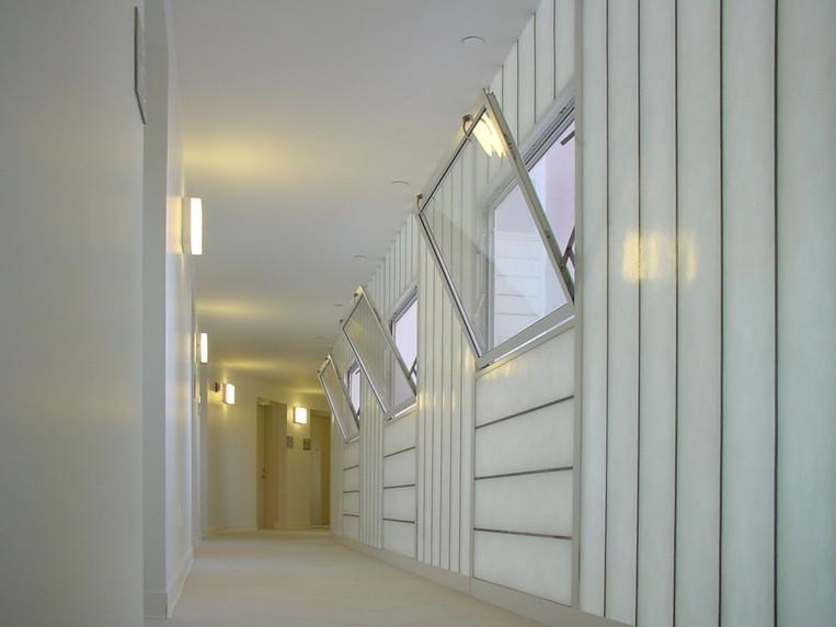 Interior corridor (Adrian Vasile) .jpg