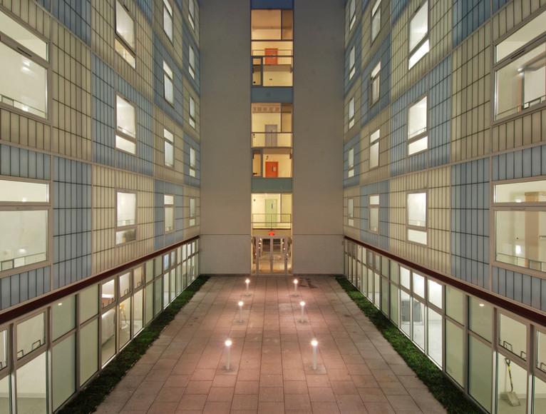 10 Courtyard back 1 (Philippe Baumann).j
