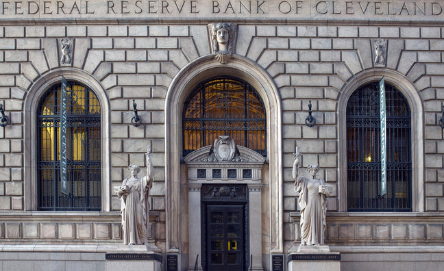 Cleveland Fed: Inflation, the Yield Curve and GDP expectations