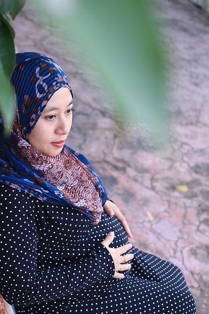 Muslim asian pregnant women wearing hija