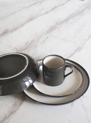 Plate Amberley