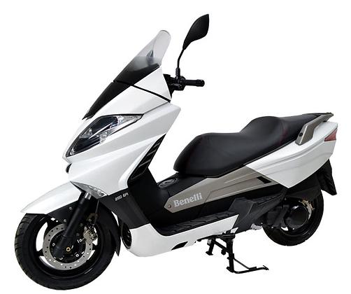 Bali rent scooter Benelli Zafferano 250cc
