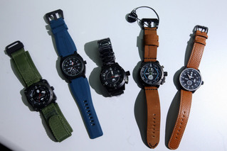 香港仔設計軍錶 網上起家 月銷300萬元