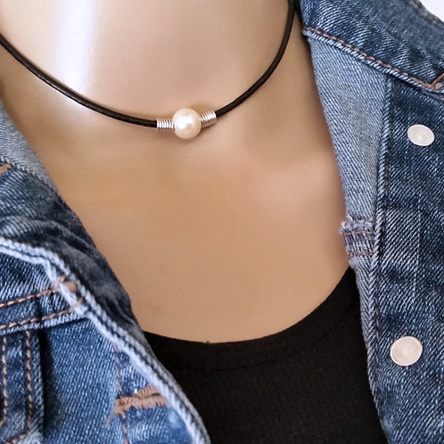 Simple Single pearl Choker, Pearl Leather Necklace for Women