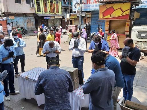 Sadhu Vaswani Mission serves Red-light District Budhwar Peth in Pandemic