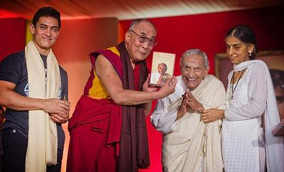 Dada_JP_Vaswani_-_Dalai_Lama.jpg?6880587