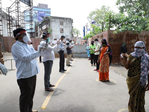 Relief to Anand Nagar Slum by Sadhu Vaswani Mission.