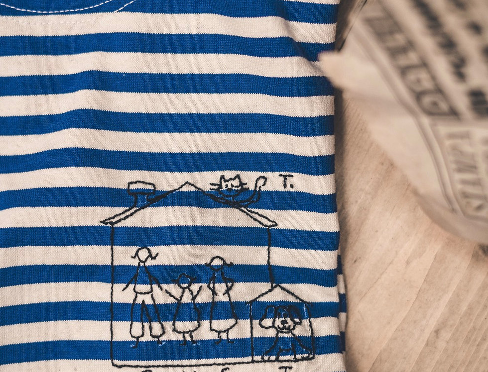 T-shirt marina russa con ricamo personalizzato