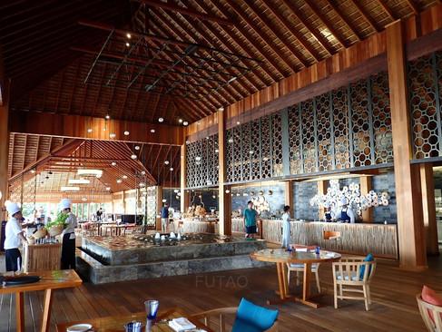 Hurawahli Resort Restaurant: Indoors